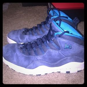 Jordan Retro 10 LA's size 10.5 9.25/10 Condition!